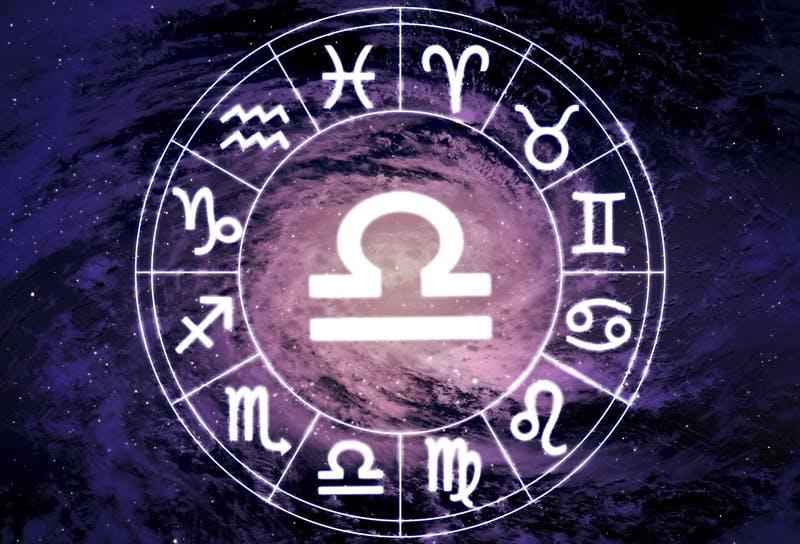 Balanta in dragoste: Compatibilitate Zodiac